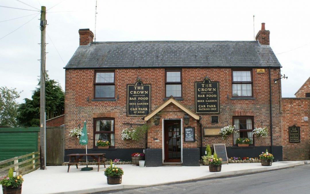 Pie and a Pint for £7.50 at The Crown, Twyford